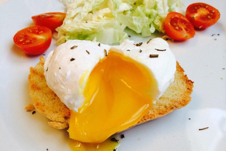 Как и с чем подавать яйцо пашот?