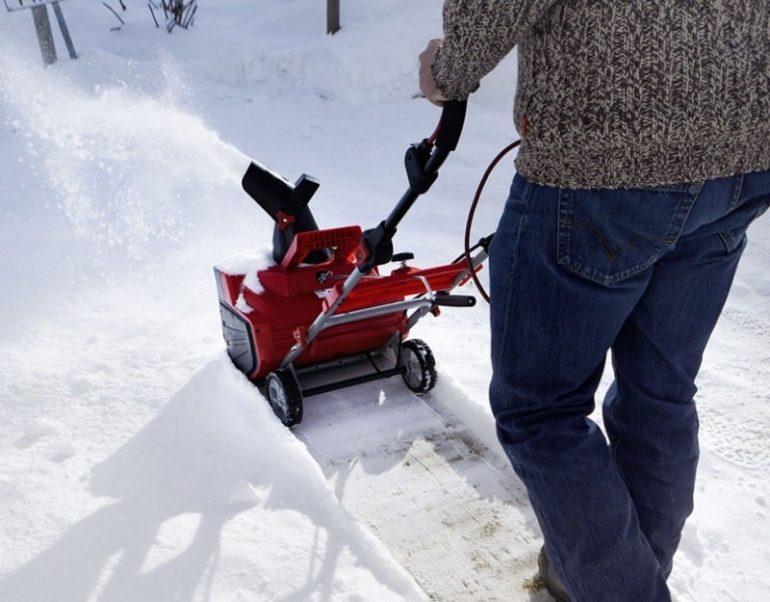 Устройство и принцип работы снегоуборщика