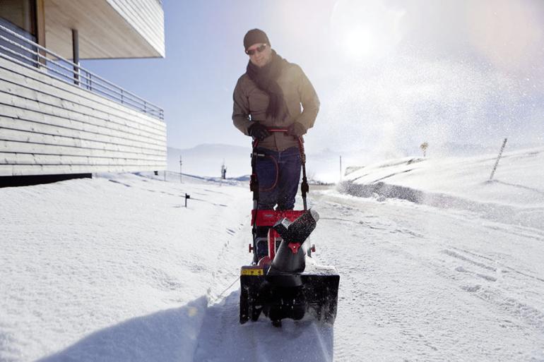 Особенности при выборе снегоуборщика