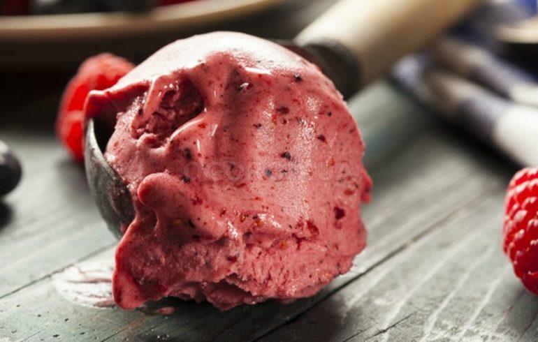Приготовление домашнего мороженого