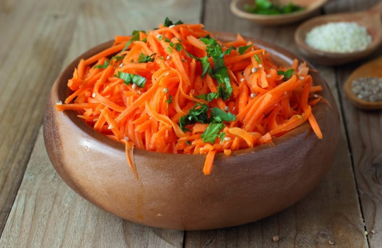 Салаты и закуски с корейской морковью