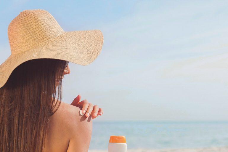 Для чего нужно использовать солнцезащитный крем?