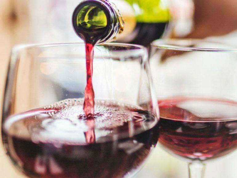 Как выбрать вино для напитка?