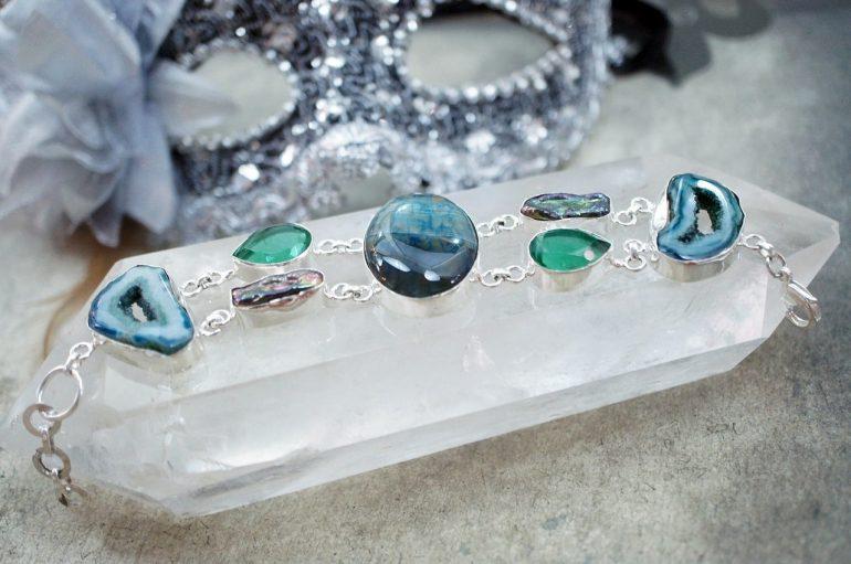 Как чистить серебро с камнями