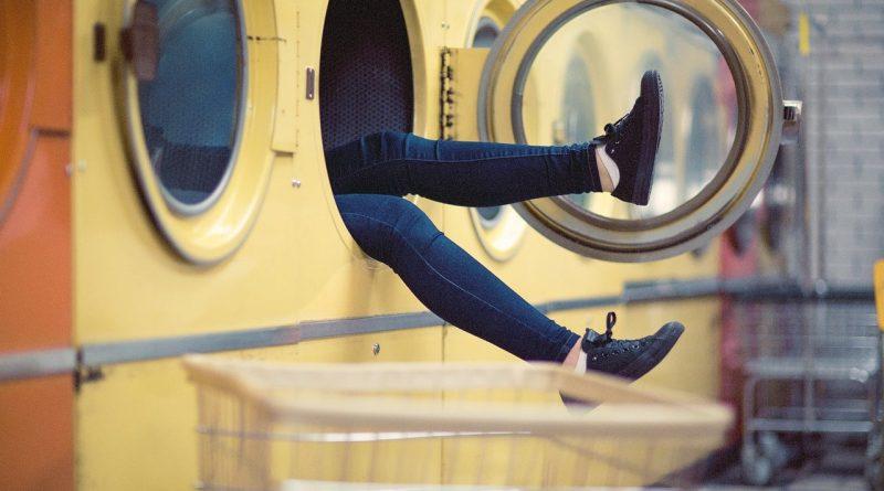 Какие вещинельзя стирать в машинке