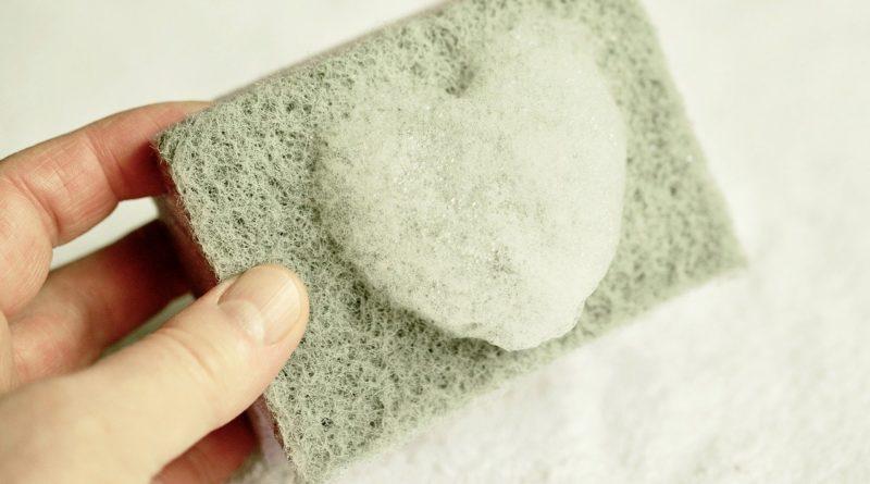 Чем отмыть монтажную пену